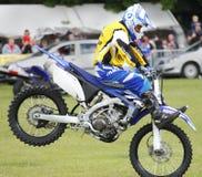 Motorbike performing stunts Royalty Free Stock Photography
