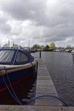 Motorboat στο προσγειωμένος στάδιο Στοκ Εικόνα