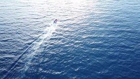 Motorboat ταχύτητας στη Μεσόγειο απόθεμα βίντεο