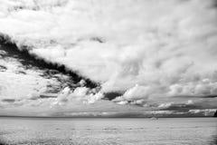 Motorboat, jacht na wodzie z boja, podróżowanie i wakacje, Obrazy Stock