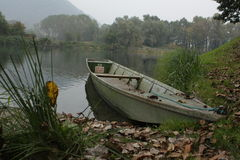 Motorboat na rzece Zdjęcia Royalty Free