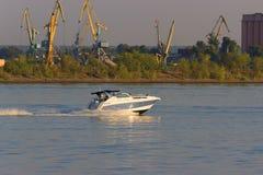 Motorboat na trasie Fotografia Stock