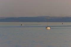 Motorboat na trasie Obrazy Stock
