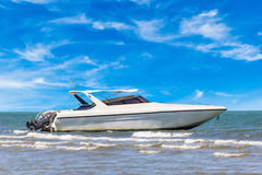 Motorboat na świetle dziennym Fotografia Stock