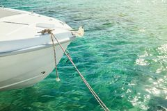 Motorboot in het overzees stock foto