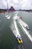 Motorboot in Putrajaya Lizenzfreies Stockbild