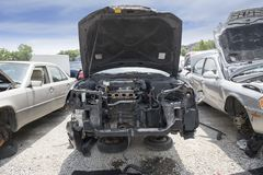 Motorcompartiment die ontbrekende delen van een motor tonen royalty-vrije stock afbeelding