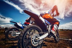 Motorcross wyczynów kaskaderskich rower obraz stock