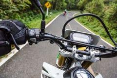 Motorcycling i norr Thailand Royaltyfri Fotografi