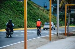 Motorcykel, cykel och bil Royaltyfria Foton