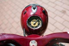 Motorcykel för tappning NSU på årlig oldtimerbilshow Fotografering för Bildbyråer