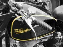 Motorcykel för Velocette M serietappning i slut upp Royaltyfri Foto