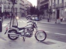Motorcykel i Madrid Royaltyfri Foto