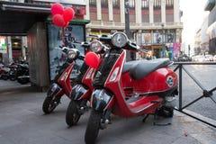 motorcykel i staden Royaltyfri Bild