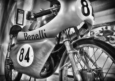 Motorcykel OCH LOGO för BENELLI-GRAND PRIXTAPPNING I MUSEUM Arkivbild