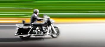 Motorcykel på huvudvägen. Abstrakt bakgrund. Arkivbild
