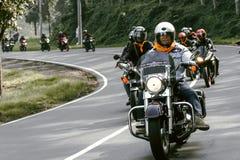 Motorcykel som turnerar på Padalarang Royaltyfri Bild