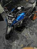 Motorcykelblått royaltyfria bilder