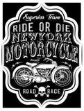 Motorcykeletikettt-skjorta design med illustrationen av beställnings- kotlett vektor illustrationer