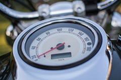 Motorcykelhastighetsmätare från nära avstånd Fotografering för Bildbyråer