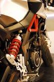 Motorcykeln bor Arkivfoton