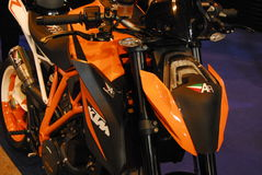 Motorcykeln bor Royaltyfri Bild