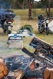 Motorcykeln samlar lägereld Royaltyfri Fotografi
