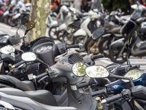Motorcykelparkering arkivfoton