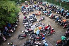 Motorcykelparkeringsområde av Maharaj Nakorn Chiang Mai Hospital Royaltyfri Fotografi