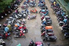 Motorcykelparkeringsområde av Maharaj Nakorn Chiang Mai Hospital Arkivfoto