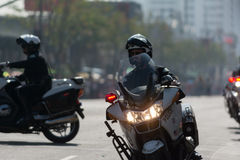 Motorcykelpolis under den 117. guld- Dragon Parade, Arkivfoto