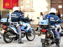 Motorcykelpoliser, Florence, Italien. royaltyfri fotografi