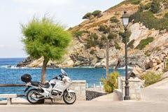 Motorcykeltur till ön Fotografering för Bildbyråer