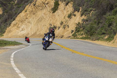 Motorcyklar Canyon Road Arkivfoton