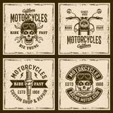 Motorcyklar fyra färgade tappning grunged emblem Royaltyfri Illustrationer