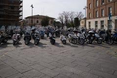 Motorcyklar och sparkcyklar Siena Arkivfoton
