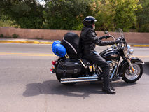 Motorcylist in Santa Fe New Mexiko Lizenzfreies Stockbild