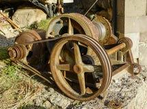 Motore elettrico con l'ingranaggio della trasmissione a cinghia per il filo di acciaio d'avvolgimento fotografie stock