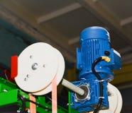 Motore elettrico su una macchina di produzione fotografia stock libera da diritti