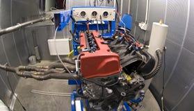 Motore nella sala di collaudo Fotografia Stock Libera da Diritti