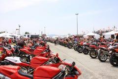 Motoren bij de gebeurtenis van de Week 2010 van Ducati van de Wereld. Stock Foto