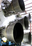 MOTORES DO ` S CINCO ROCKET DE SATURN V DE SUA PRIMEIRA FASE Fotos de Stock