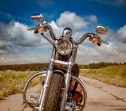 Motorfiets op de weg stock fotografie