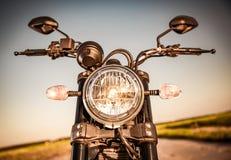 Motorfiets op de weg stock foto's