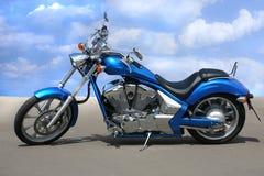 Motorfiets op weg royalty-vrije stock afbeelding