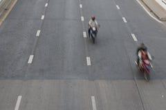Motorfiets twee op de weg Stock Foto
