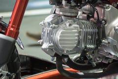 Motorfietsbenzine van brandstof voorzien motor Royalty-vrije Stock Foto's