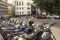 Motorfietsen het parkeren Royalty-vrije Stock Fotografie
