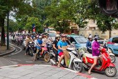 Motorfietsen op de straten van Hanoi Royalty-vrije Stock Foto