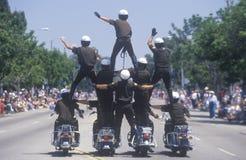 Motorfietspolitie in Piramide in 4 de Parade van Juli, Vreedzame Palissaden, Californië Stock Fotografie